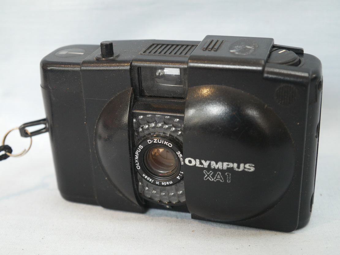 Olympus Pen EE Grey Vintage Camera with Zuiko 28mm Lens |Olympus Vintage Camera