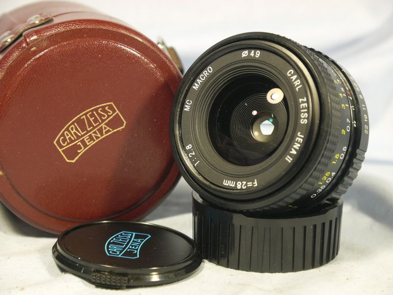 ' 2 8 28mm CARL ZEISS Cased -MINT- ' Praktica Bayonet Fit Carl Zeiss F2 8  28mm Prime Lens -MINT- £29 99