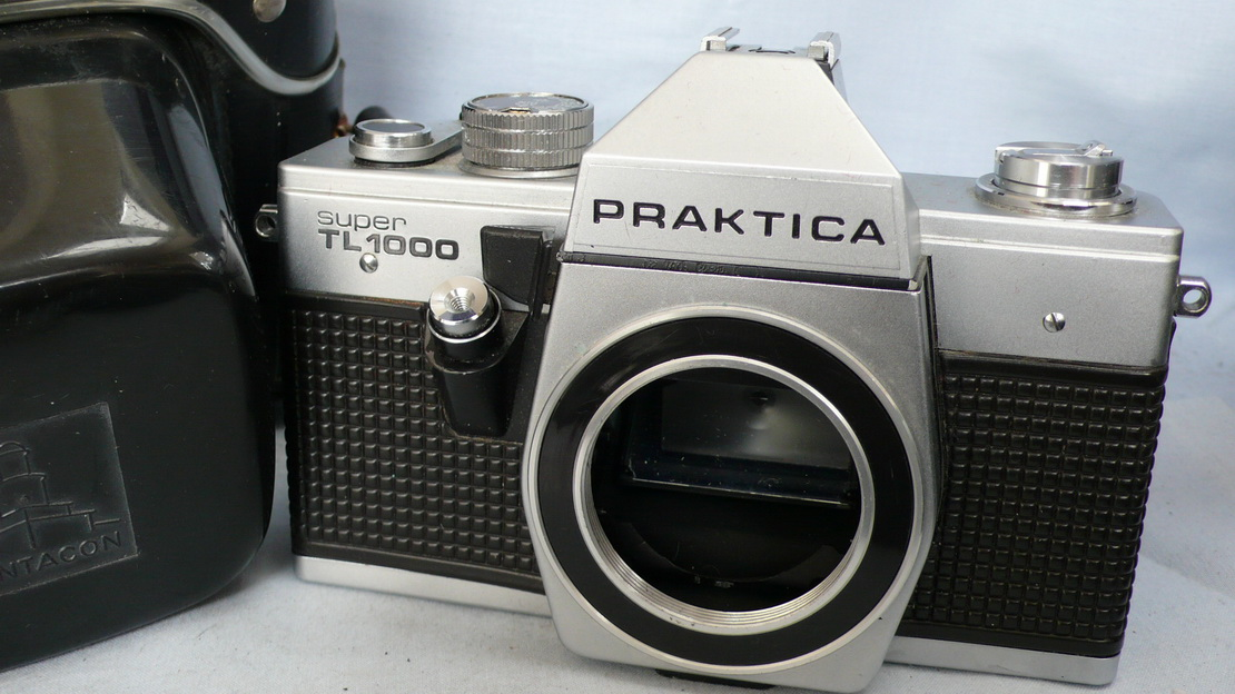 Praktica super tl m cased slr camera